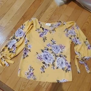 Everly M blouse worn once handwashed